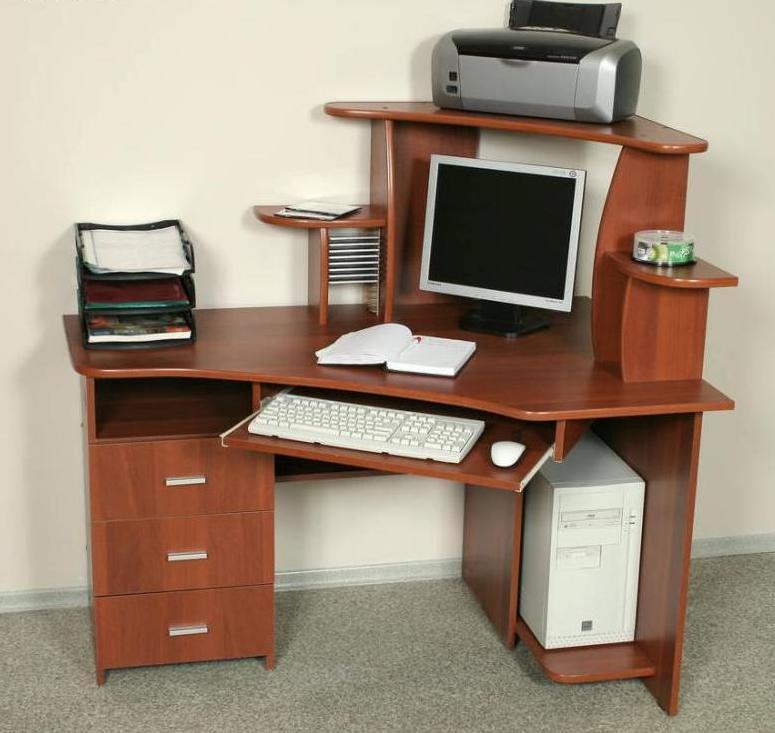 Компьютерный стол, фото